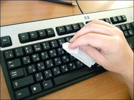 Как почистить клавиатуру самостоятельно